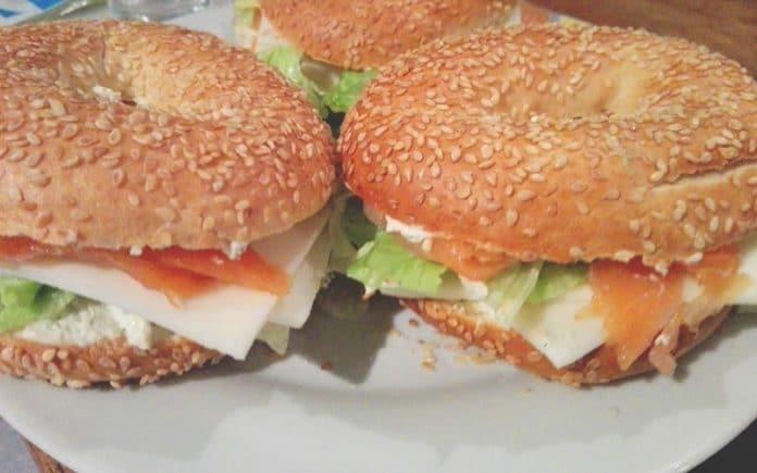 Recette Baggels au Saumon Fumé et Fromage à l'Ail